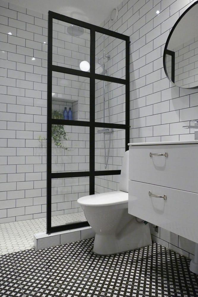 Badrum renoverat med kärlek