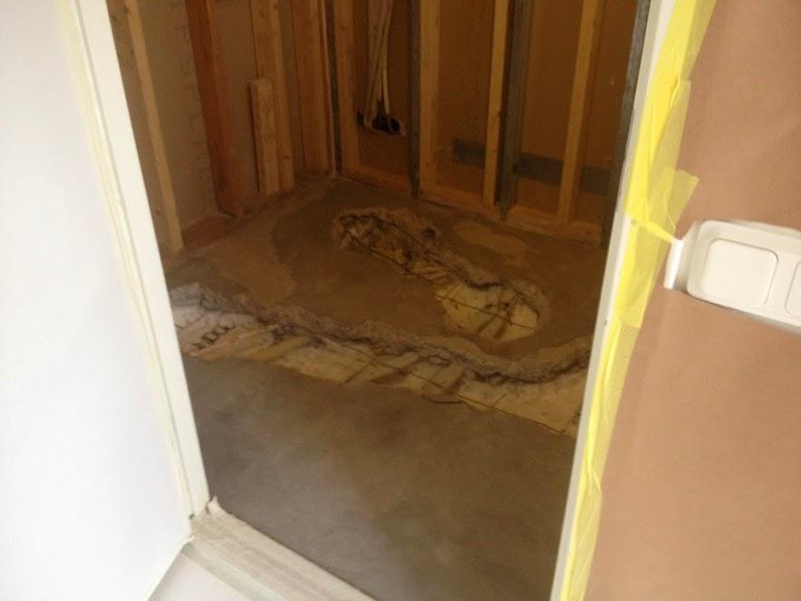 4. Uppbilat golv för flytt av avlopp